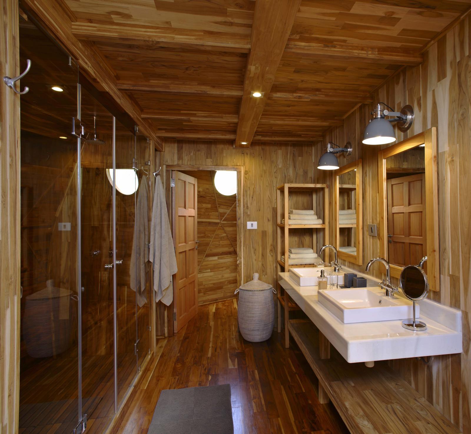 The-Highlands-bathroom